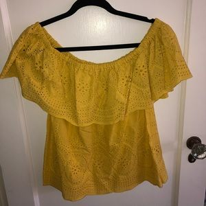 NWT cupcakes & cashmere off the shoulder top